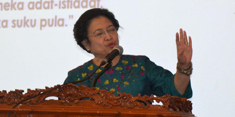 pdip-jatim-Megawati-saat-di-ubaya