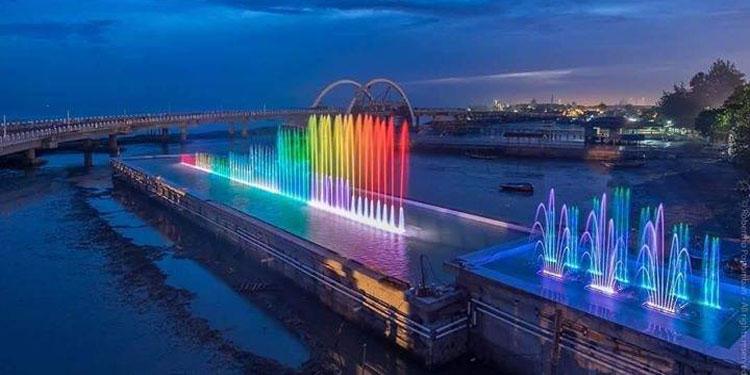 pdip-jatim-jembatan-kenjeran-sore-hari