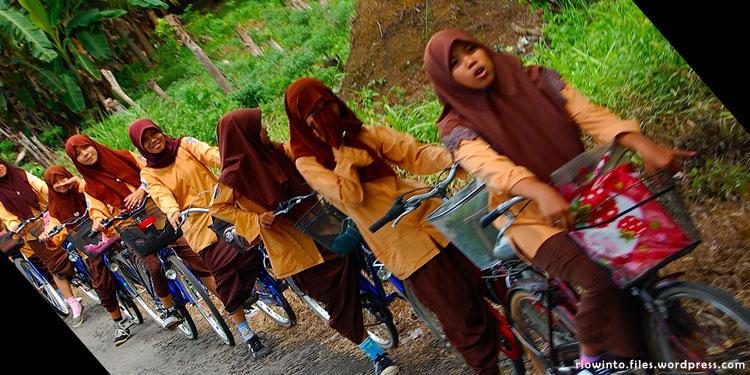 pdip-jatim-bike-to-school