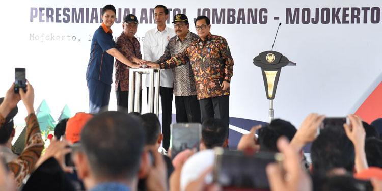 Jokowi Resmikan Ruas Tol Jombang-Mojokerto
