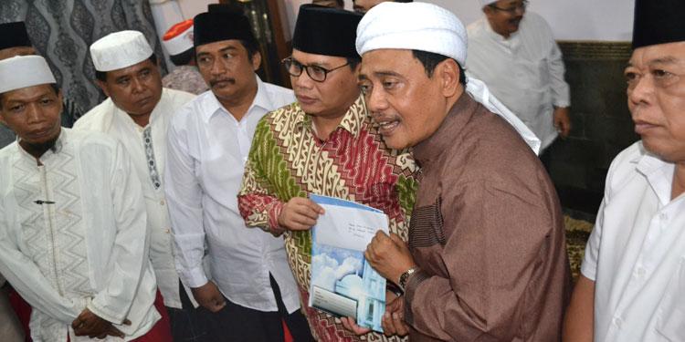 Jelang Pilgub, Kiai Tapal Kuda Titipkan Surat untuk Megawati