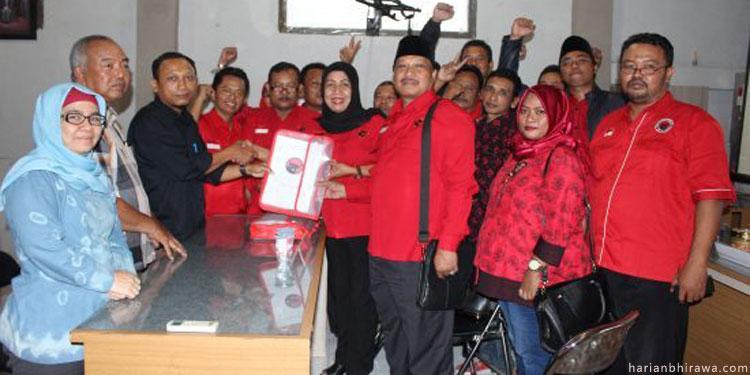 Daftar ke KPU, PDIP Gresik Siap Tambah Kursi DPRD