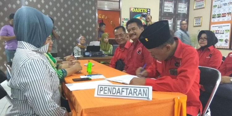 Ratusan Kader Kota Kediri Iringi Pendaftaran PDIP ke KPU