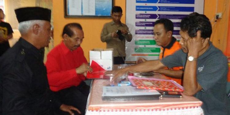 Bantengan Iringi Pendaftaran PDIP Trenggalek ke KPU