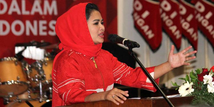 Hadiri Perayaan Natal PDIP Jatim, Puti Ajak Jadi Agen Perdamaian dan Kebhinnekaan
