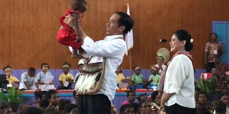 Jokowi Masih Bertengger di Papan Teratas