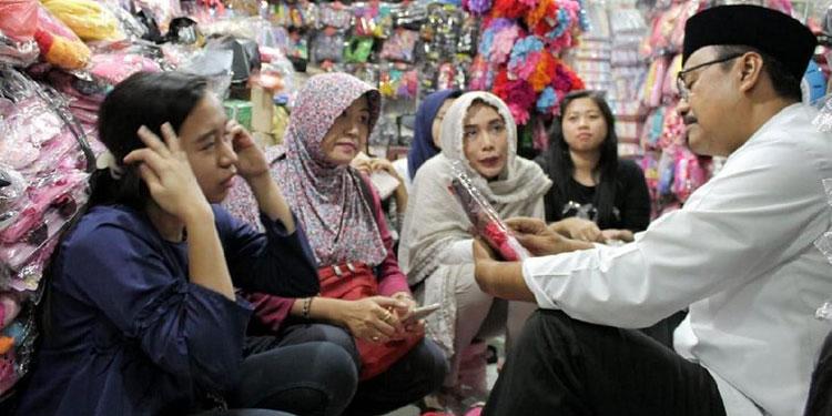 Pastikan Ekonomi Tak Terimbas Aksi Terorisme, Gus Ipul Pantau Pusat Belanja