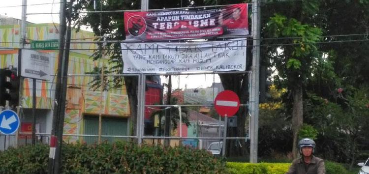 Spanduk Kecam Aksi Teror, PDIP: Ini Kemarahan Arek Suroboyo