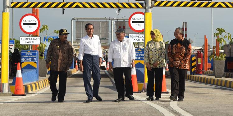 Tol Merak – Banyuwangi Tersambung di 2019, Jokowi: Akan Ada 'Jalan Daendels' Baru