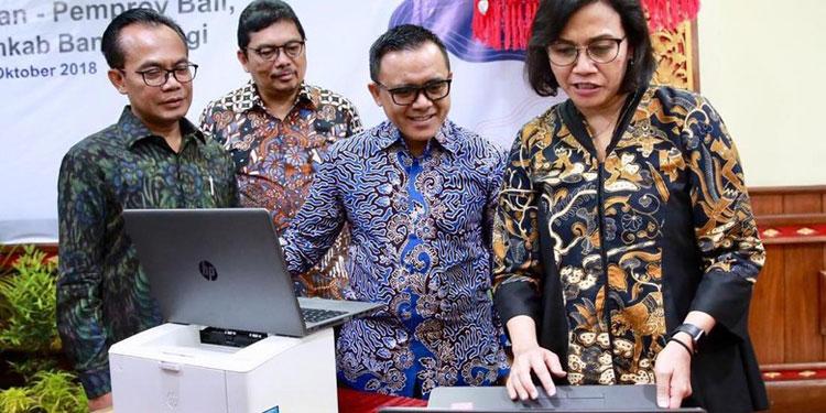 Anas: Laptop Hibah Acara IMF-WB untuk Tingkatkan Daya Saing Pelajar Desa