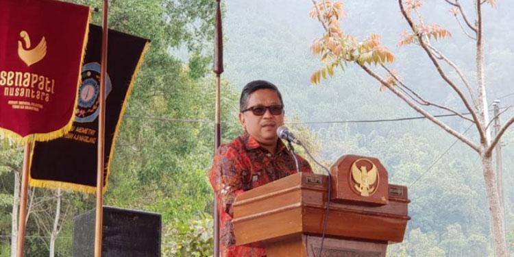 Sekjen PDIP: Jokowi Terus Bekerja yang Lain Retorika