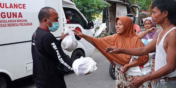 Masyarakat Sambut Syukur dapat Bantuan Baguna PDIP Jatim