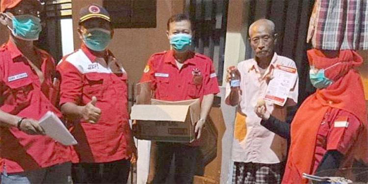 Begini Cara Kader PDIP Surabaya Bentengi Masyarakat dari Serbuan Corona