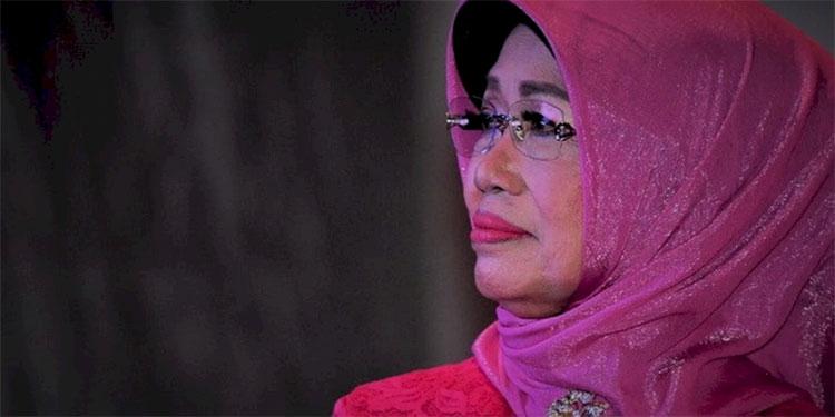 Megawati Doakan Ibunda Jokowi Husnul Khatimah