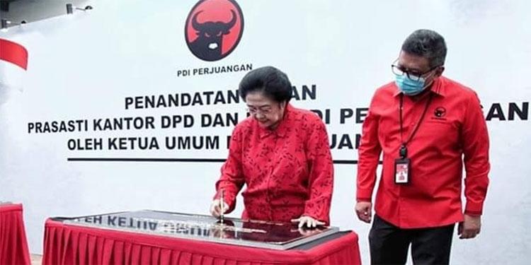 Bersama 17 Kantor PDIP se-Indonesia, 3 Kantor DPC di Jatim Diresmikan Megawati
