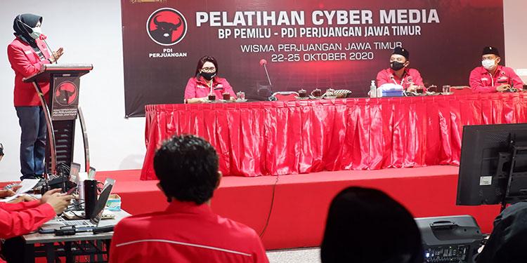Buka Pelatihan Cyber Media PDIP Jatim, Ini Harapan Dewanti Rumpoko