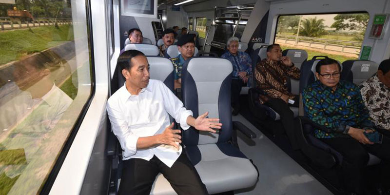 Jokowi Laporkan Pajak di Palembang