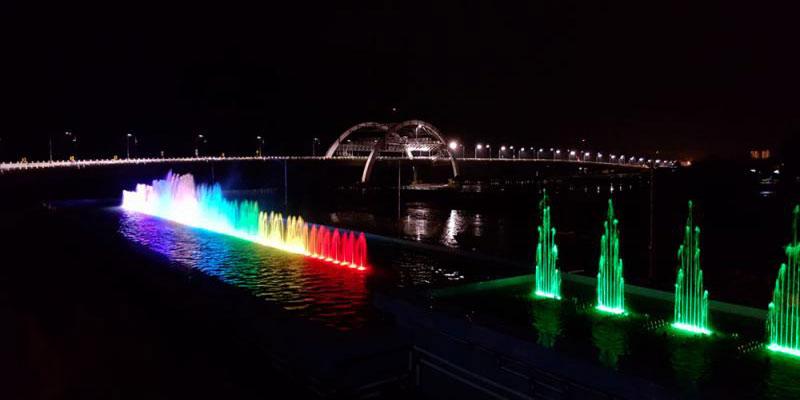 pdip-jatim-jembatan-kenjeran-malam-hari