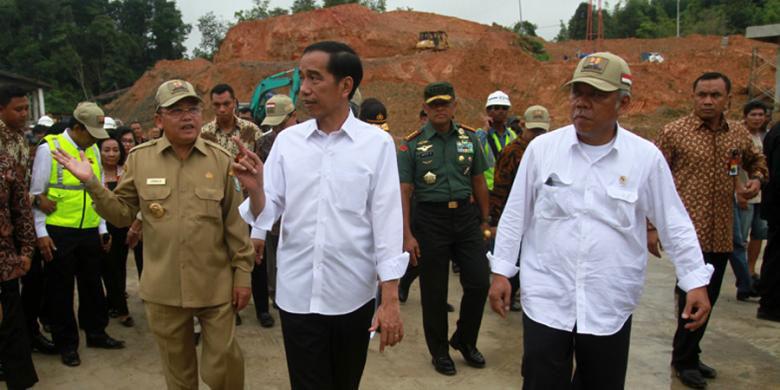 pdip-jatim-Jokowi-di-Entikong