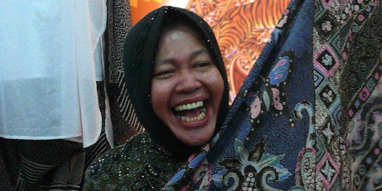 pdip-jatim-risma-kain-batik