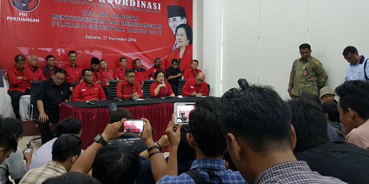 Megawati Minta Kader PDIP Tetap Tenang dan Ikut Jaga Situasi Damai