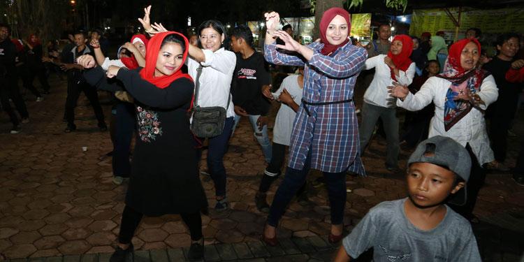 Pungkasi Kunjungan di Jember, Puti Joget Bareng Bupati Faida