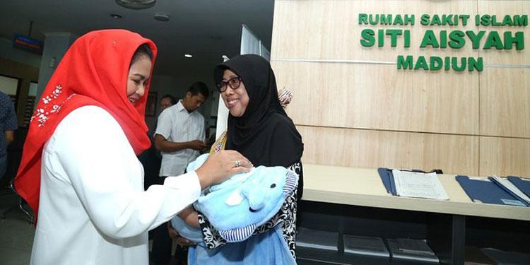 Puti Kunjungi RSI Aisyiyah Kota Madiun, KJS Dapat Dukungan