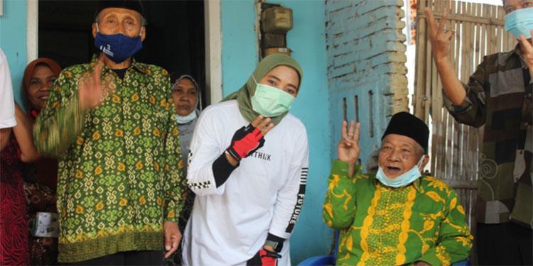 Sapa Tetangga di Kedungmaling, Mbak Titik Sosialisasikan Mojokerto Keren